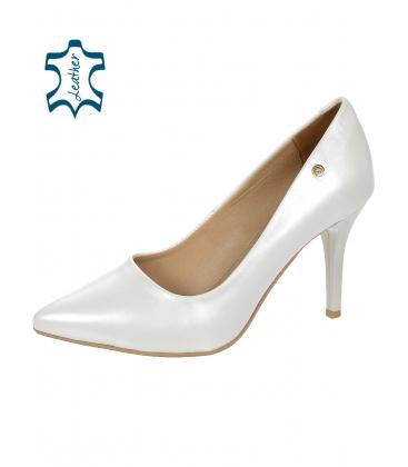 Fehér gyöngyházfényű elegáns alkalmi cipő DLO944-861