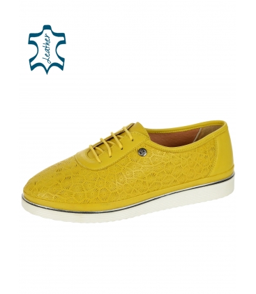 Sárga bőr teniszcipő mintával D-505