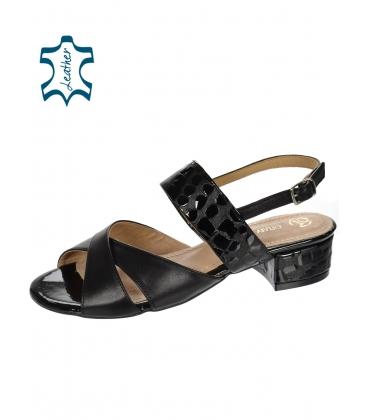 Fekete színű kényelmes szandál DSA2221 lépcsős mintával