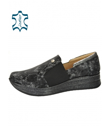 Fekete-szürke cipők finom kígyó mintával DTE3064