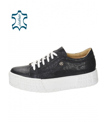 Gyűrött megjelenésű fekete cipők a HANZA magas talpon DTE3402