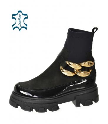 Fekete boka lakkozott csizma rugalmas anyaggal és arany díszítéssel DKO2284